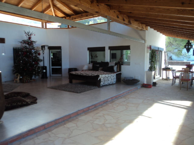 Villa in Calla Bassa with views to the sea